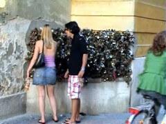 Pécs: lakatok a lakatfalon